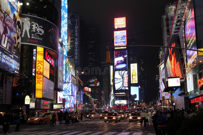 Times Square na noite imagens de stock royalty free