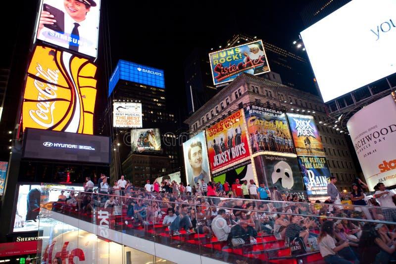 Times Square nachts lizenzfreies stockfoto