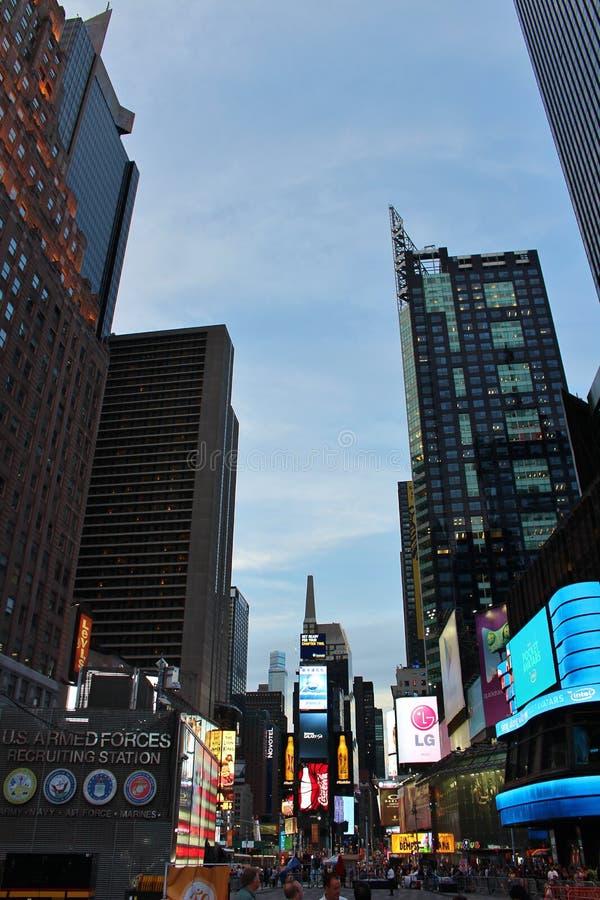Download Times Square, New York redactionele fotografie. Afbeelding bestaande uit reclame - 54078472