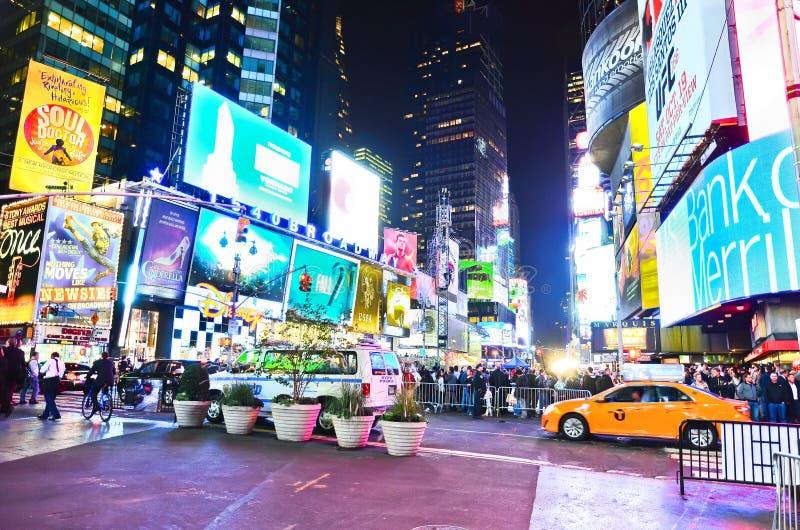 Times Square på natten i New York City arkivfoto