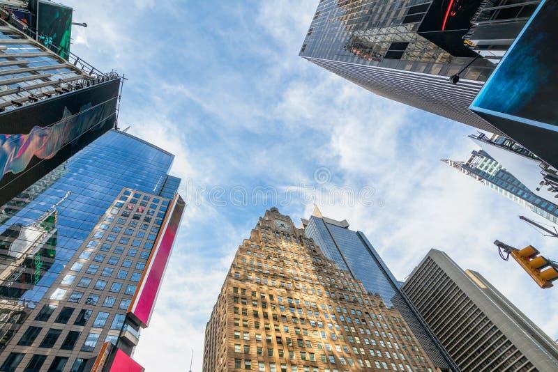 Times Square, Paramount byggnad och skyskrapor, New York City arkivfoto