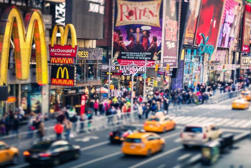 Times Square, via famosa di New York e gli Stati Uniti, Inclinazione-spostamento fotografia stock libera da diritti