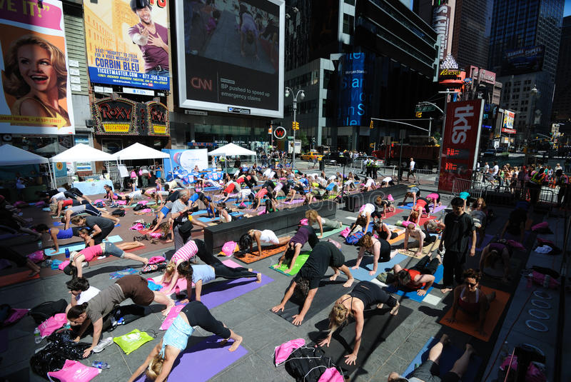Download Times Square Yoga editorial photography. Image of plays - 14851277