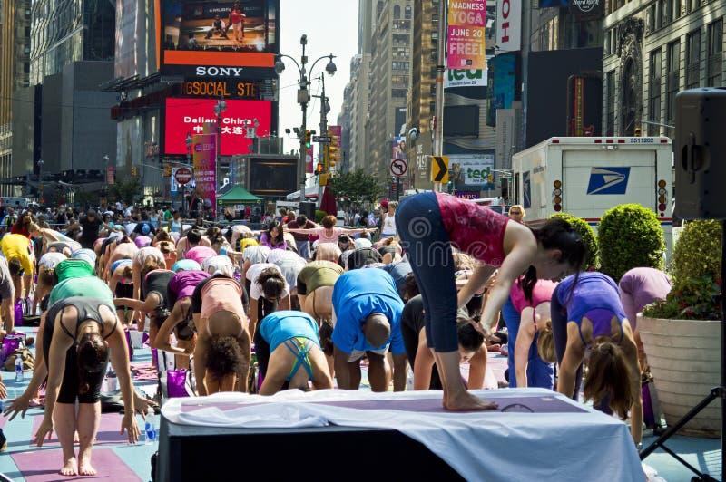 Times Square-Yoga-Kategorie stockfoto
