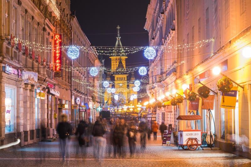 """TIMISOARA, †della ROMANIA """"17 dicembre 2015: Gente non identificata in Timisoara fotografie stock libere da diritti"""