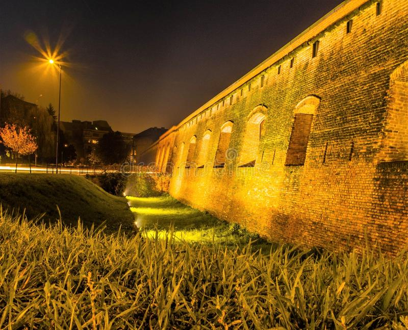 Timisoara bis zum Nacht 4 lizenzfreie stockfotos