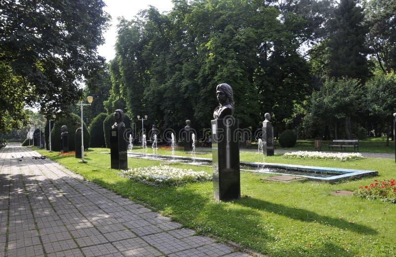 Timisoara RO, Czerwiec 22th: Central Park statuy w Timisoara miasteczku od Banat okręgu administracyjnego w Rumunia zdjęcie stock