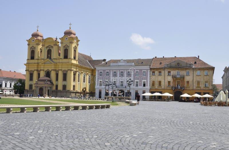 Timisoara RO, 22 Juni: Roman Catholic Dome-Saint Geoge Cathedral van Union Square in Timisoara-stad van Banat-provincie in Roemen royalty-vrije stock fotografie