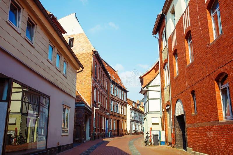 Timmer inhyser den gamla stadmitten Lägre Sachsen arkivbild