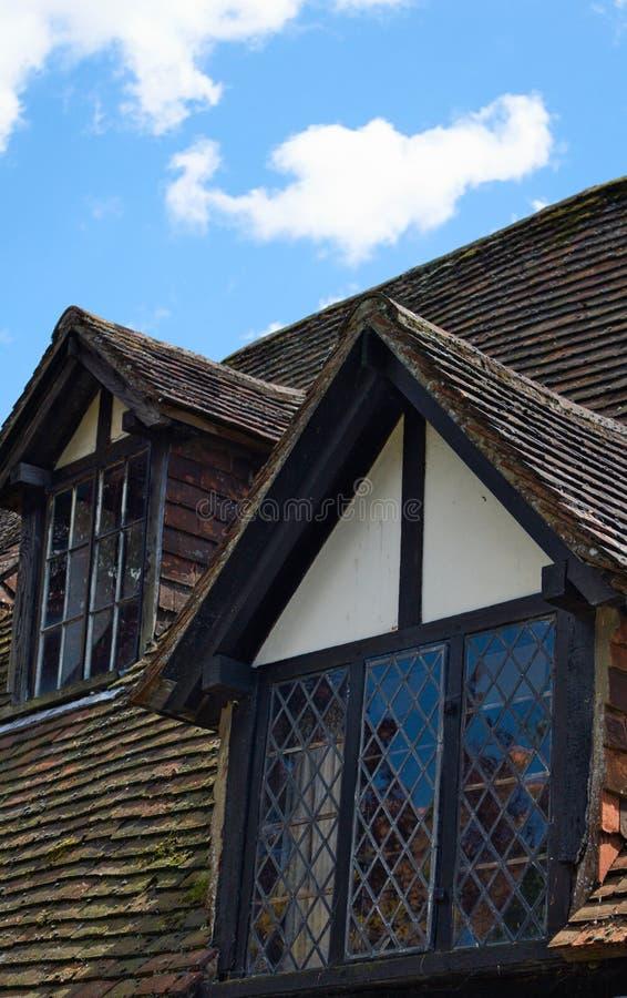 Timmer inramade takfönster - råg - UK arkivbilder
