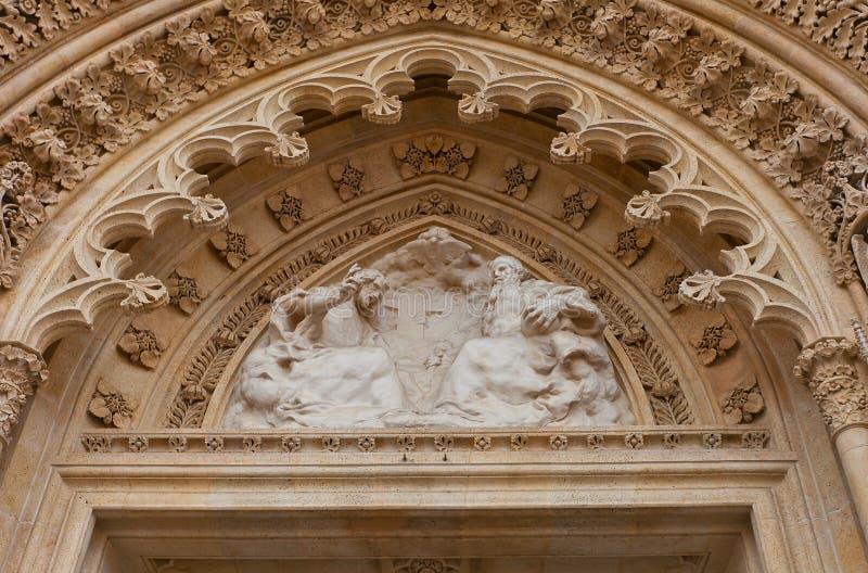 Timpano della cattedrale di Zagabria (XVIII C ) La Croazia immagini stock