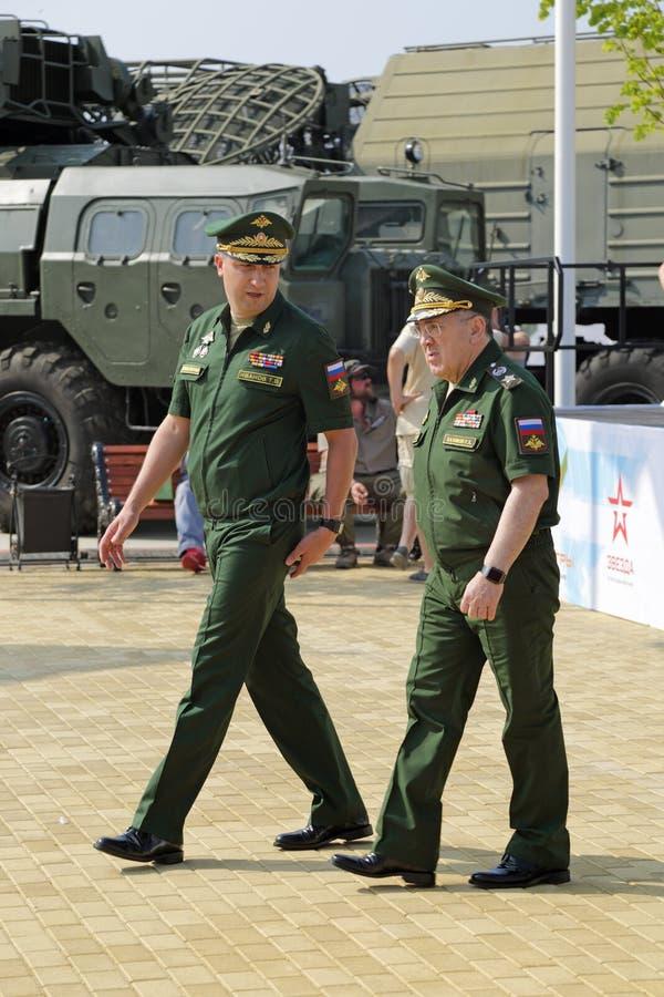 Timur Ivanov och Ruslan Tsalikov royaltyfri foto