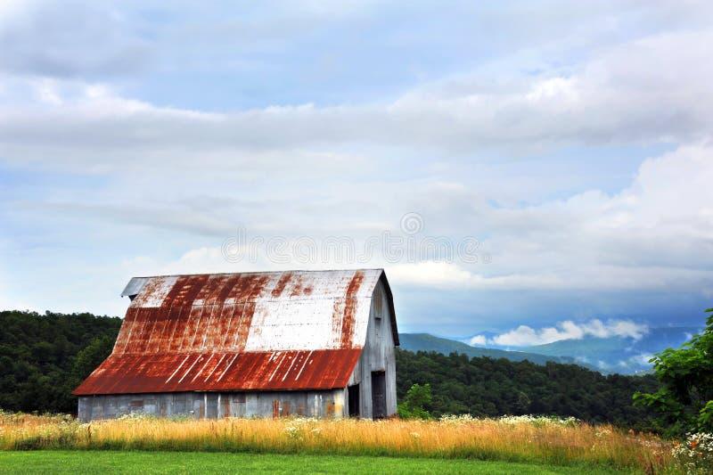Tin Barn en Ozarks imagenes de archivo