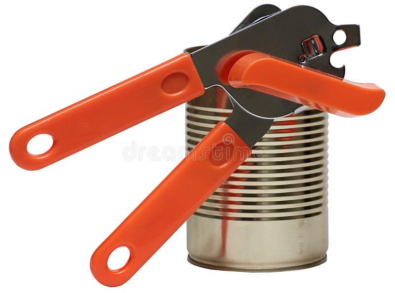 Tin Can And Key For öppningscans som isoleras på vit bakgrund. arkivbilder