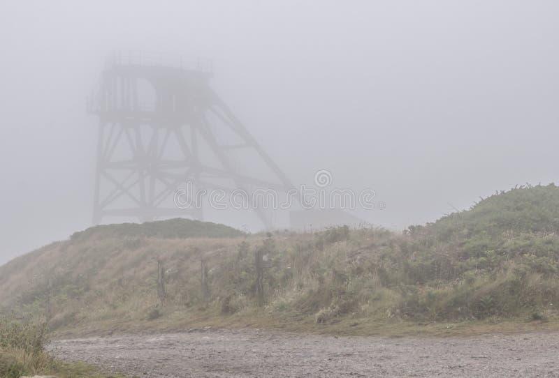 Tin Mine en la niebla imagen de archivo libre de regalías