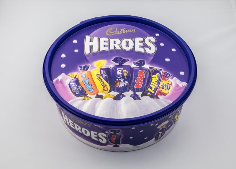 Tina de los héroes de Cadburys imagen de archivo
