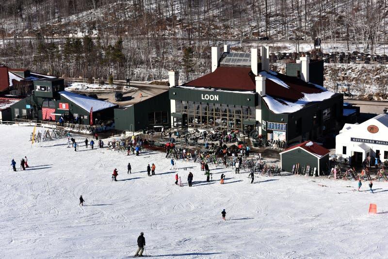 Tina Sutton Memorial - slalom Ski Competition Vista della casetta della montagna del lunatico dalla sedia dell'ascensore durante  immagine stock libera da diritti