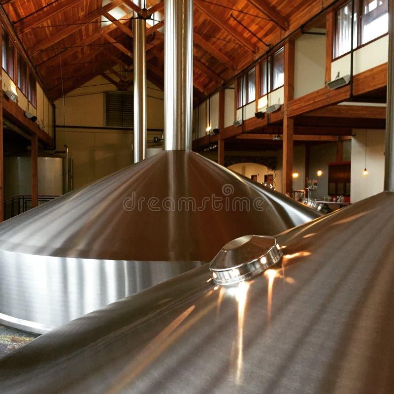 Tini della fabbrica di birra fotografie stock