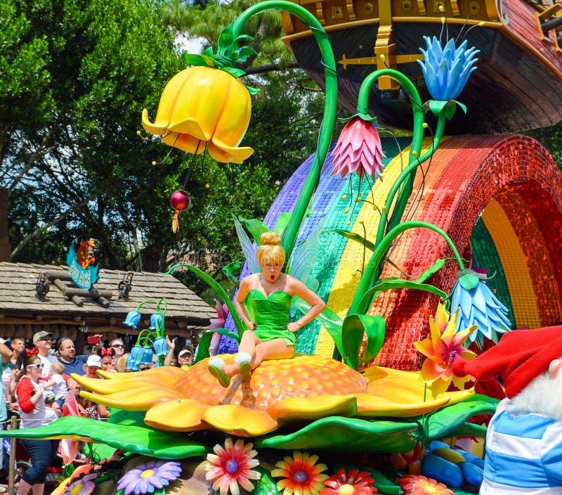 Tinkerbell dal festival della parata di fantasia immagine stock