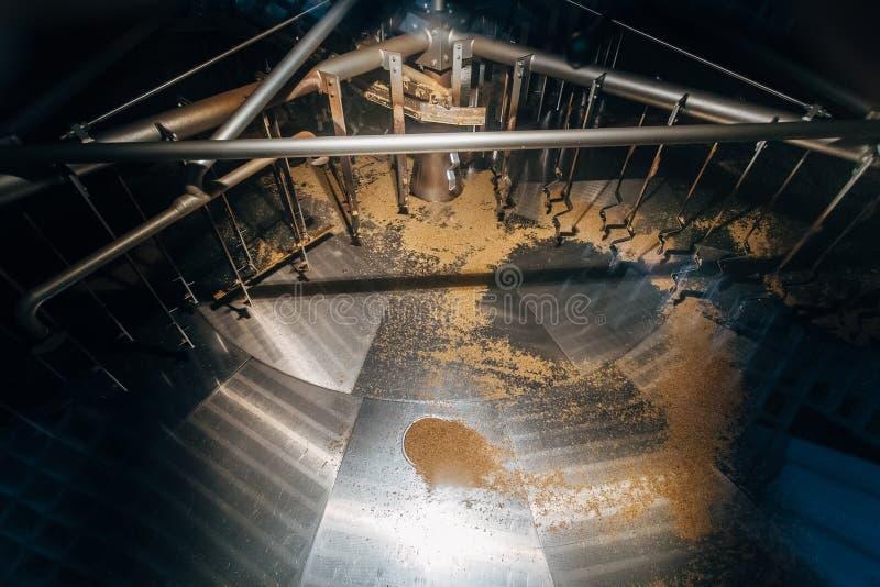 Tino vuoto di filtrazione di fermentazione per produzione della birra immagine stock