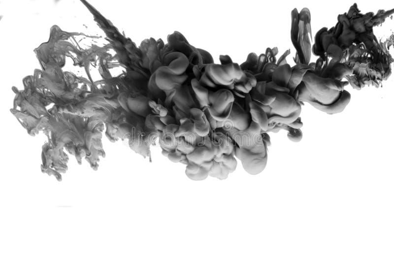 Tinta da arte branca preta do acrílico do fumo da água no fundo colorido do sumário isolado ilustração do vetor