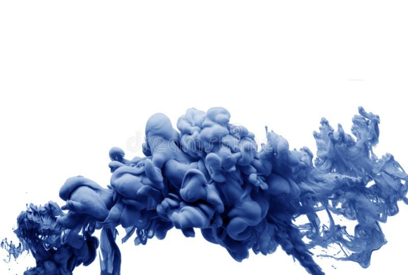 Tinta no fundo colorido do sumário da arte acrílica do fumo do blau da água isolado ilustração do vetor