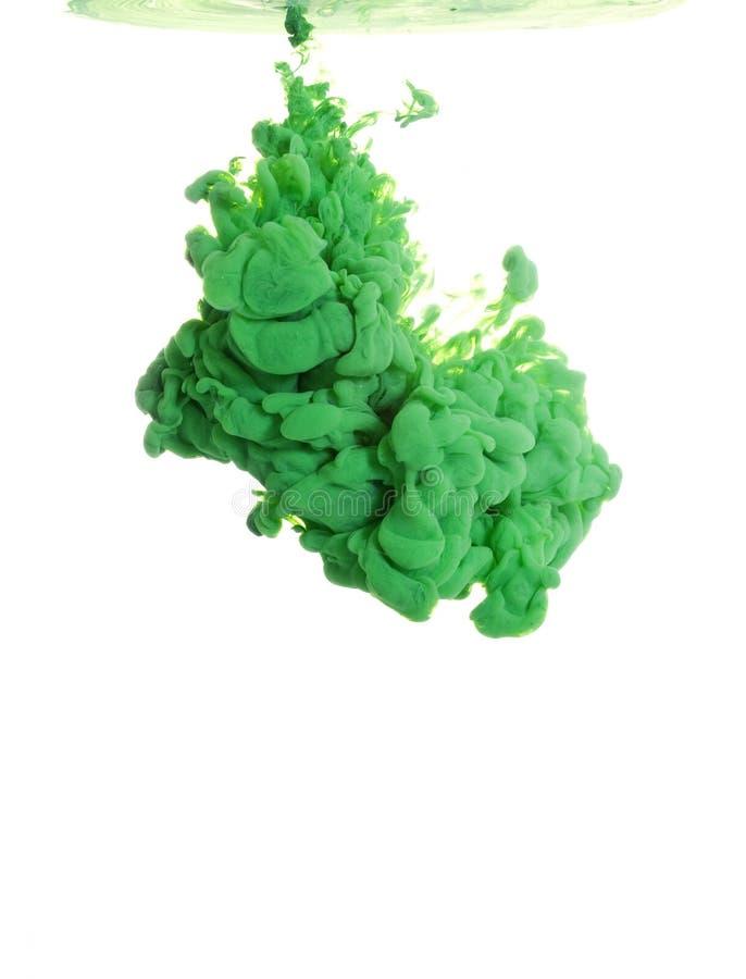 Tinta verde en agua foto de archivo libre de regalías