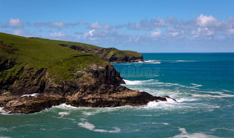 Tintagel kustlinje I - Cornwall - UK arkivfoto