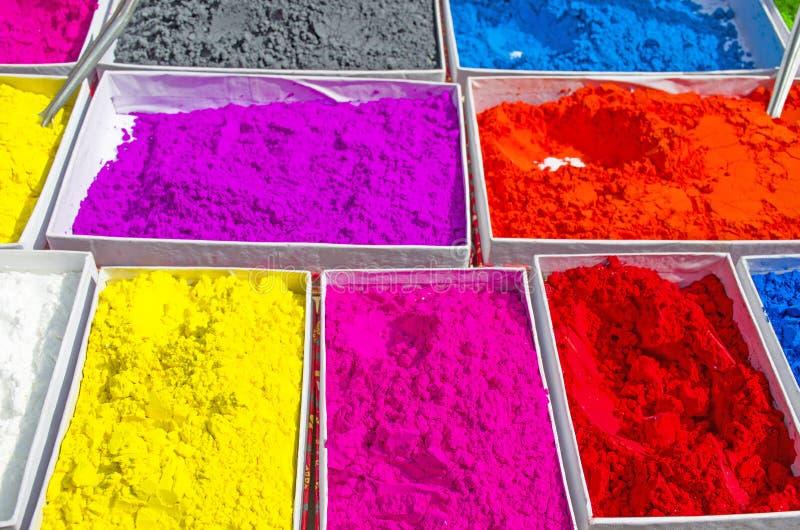 Tintas brilhantes para venda no mercado da Ásia imagem de stock royalty free
