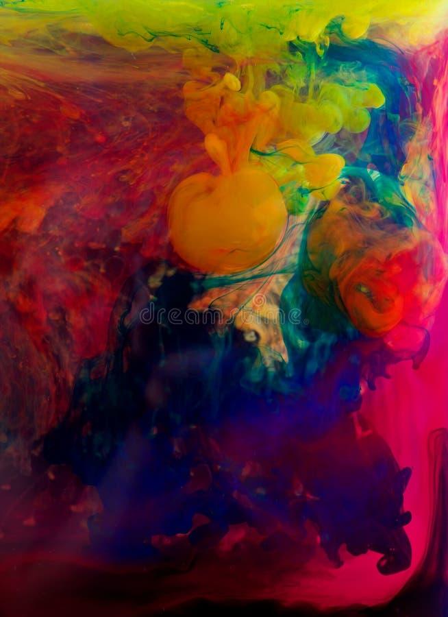 Tintas en agua imagenes de archivo