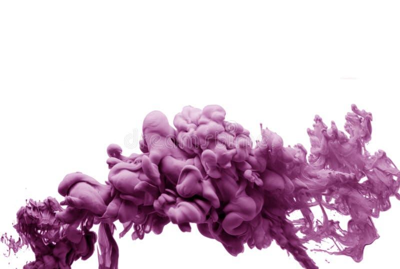 Tinte der rosa malvenfarbenen im bunten abstrakten Hintergrund Rauchacrylkunst des Wassers lokalisiert stockfotografie