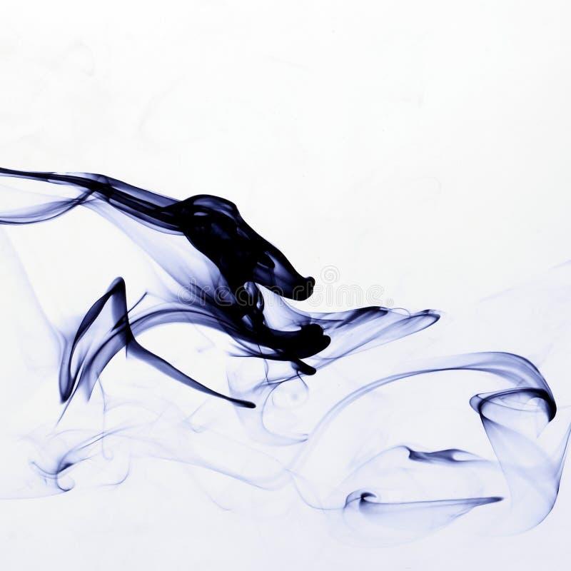 Tinte im Wasser lizenzfreie stockfotografie