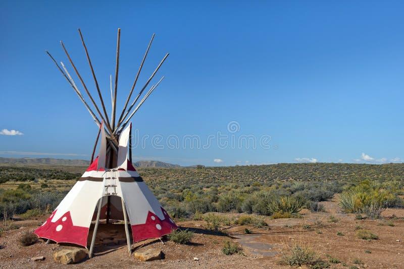 Tipi, Übergangswohnung von nordamerikanischen Indern stockbild