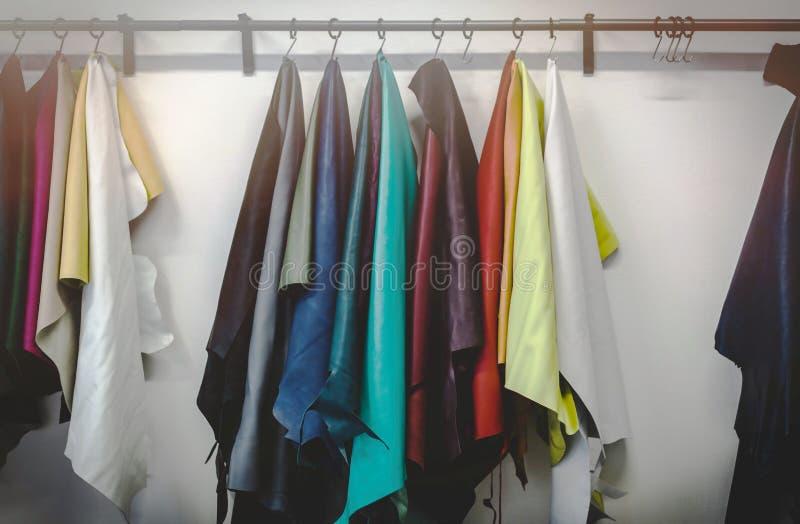 Tipi e colori differenti di cuoi fotografie stock libere da diritti