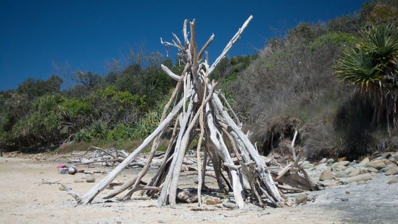 Tipi am gespenstischen Strand, Angourie stockbild
