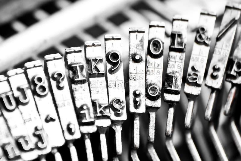 Tipo barre di macchina da scrivere con un certo tipo barre unfocused fotografie stock libere da diritti