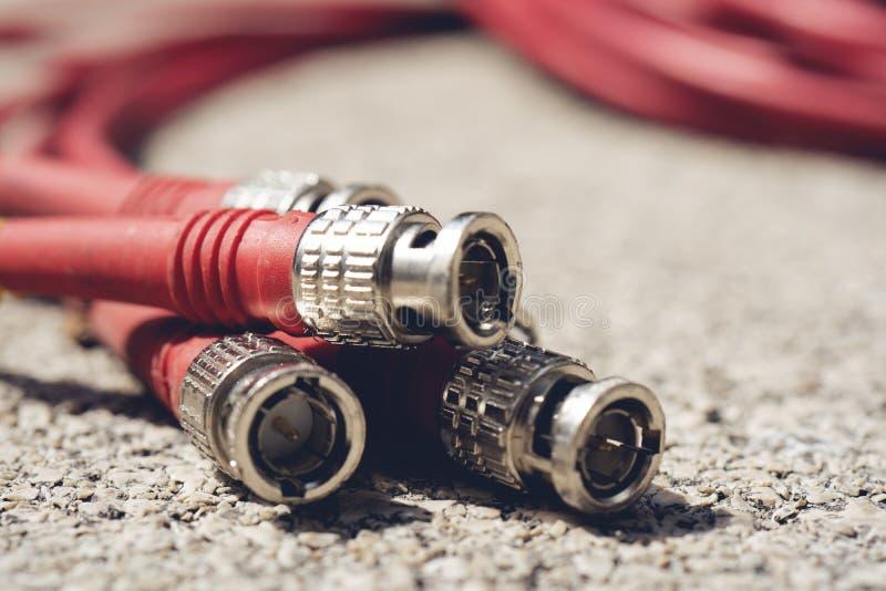Tipo coaxial del cable RG6 RGB TV del CCTV al tono de registración del color rojo del dispositivo foto de archivo libre de regalías