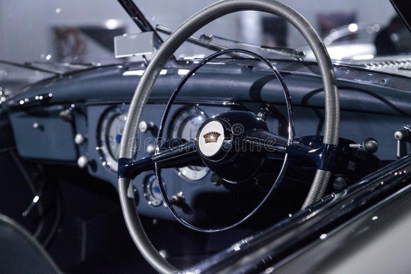 Tipo 1951 de Delahaye da prata 235 convertible do Cabriolet imagem de stock royalty free