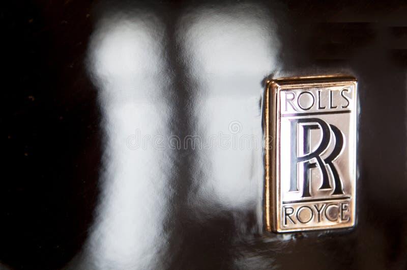 Tipo de Rolls Royce Logo fora do carro imagens de stock