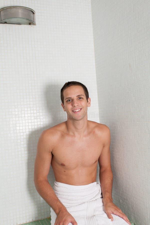 Tipo dentro la sauna immagine stock libera da diritti