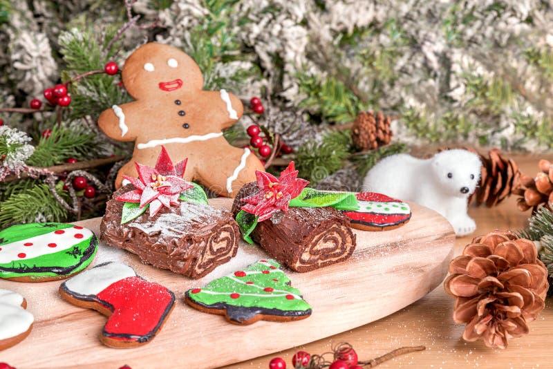 Tipo diferente de cookies do Natal com decoração foto de stock royalty free
