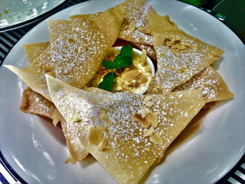 Tipo dulce de Roti de comida india dulce del estilo del postre hecha de la harina foto de archivo libre de regalías
