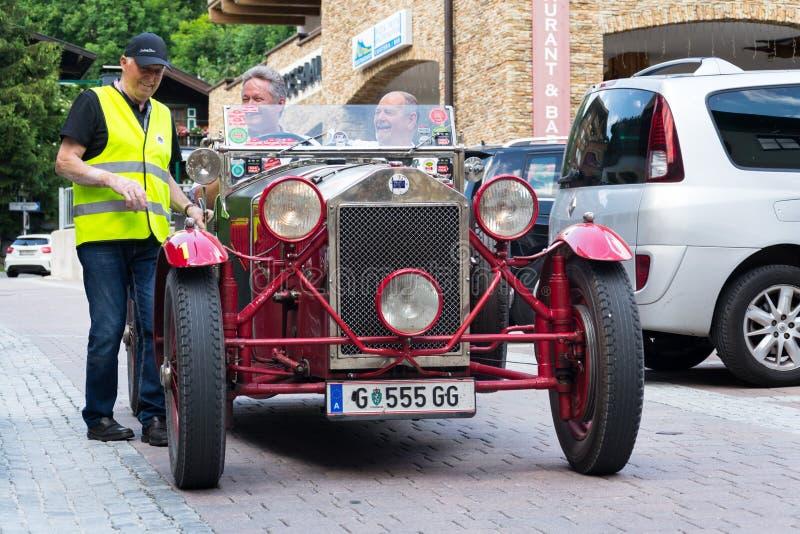 Tipo italiano 221 veterano oldsmobile de Lancia Lambda do carro do vintage da aranha desde 1927 imagens de stock