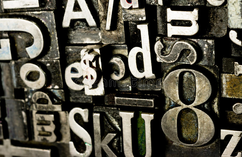 Tipo texto obsoleto compuesto tipo del metal de la tipografía de la prensa foto de archivo