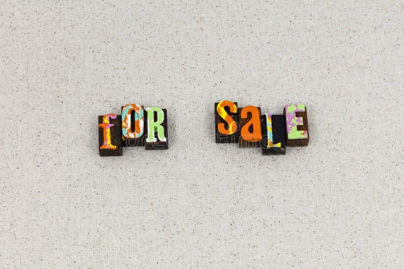 Tipografia comercial da loja do negócio do sinal da venda fotografia de stock royalty free