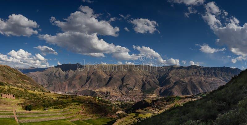 Tipon berg i uscoen Peru arkivfoton