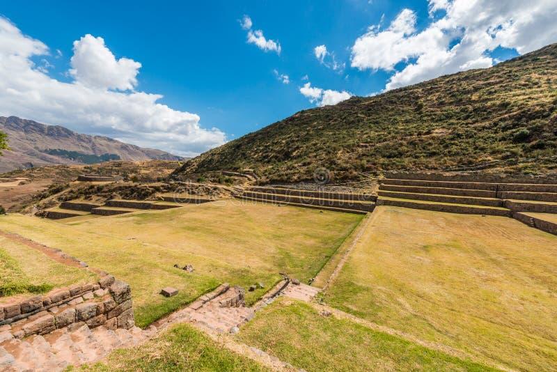Tipon fördärvar i peruanska Anderna på Cuzco Peru arkivfoton