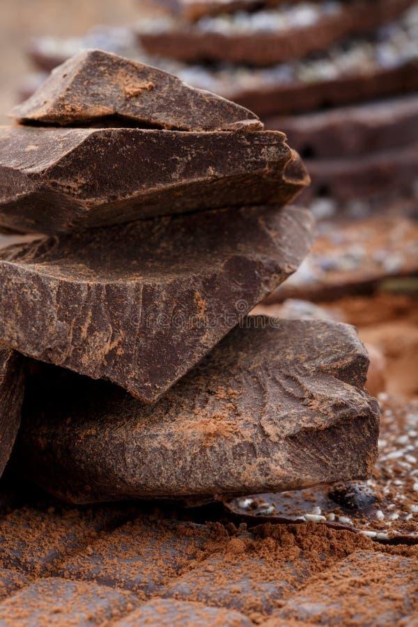 Tipos maciços e diferentes do cacau de barras de chocolate Chocolate orgânico do artesão imagem de stock