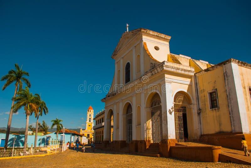 Tiré de la plaza de cathédrale et de place principale au Trinidad, le Cuba photo stock
