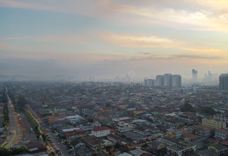 Tir aérien au lever de soleil de Petaling Jaya, banlieue de Kuala Lumpur, images libres de droits